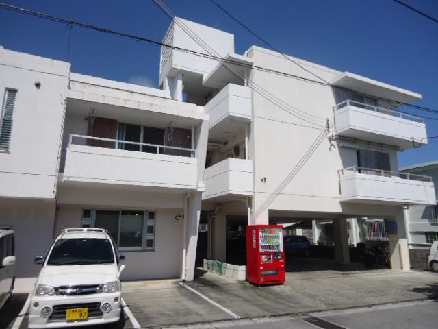Risaria apartments 外観