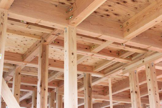 沖縄で木造住宅は大丈夫なの?台風は?シロアリは?メリット・デメリットを紹介!
